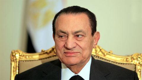 Felmentették Hoszni Mubarak volt egyiptomi elnököt