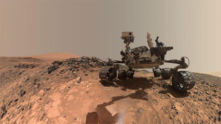 A Curiosity robot a Mars felszínén (Fotó: NASA)