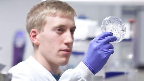 Oroszok komolyan állítják: megvan a rák ellenszere