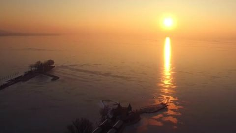 A szezon utolsó jeges drónvideója a gyönyörű Balatonról