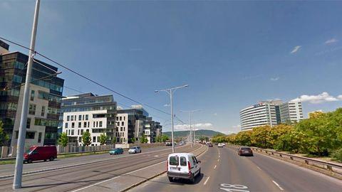 Óriási dugó várható Budapesten: lezárták az Árpád hidat – frissül