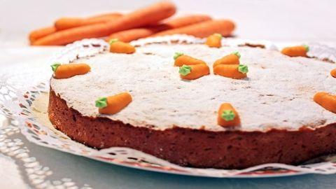 Húsvéti sütemény: mandulás répatorta