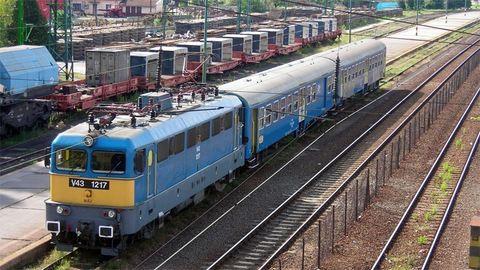 Embert gázolt a vonat Veszprémben