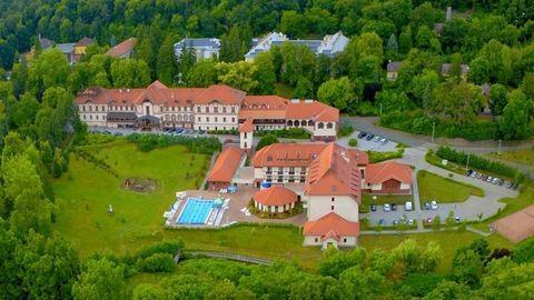 Erzsébet Park Hotel (X)