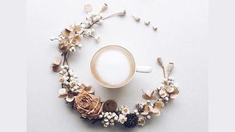 Kávéval és virággal tökéletes az ébredés – csodaszép fotók