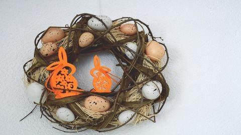 Szuper ötletek húsvéti ajtódíszhez