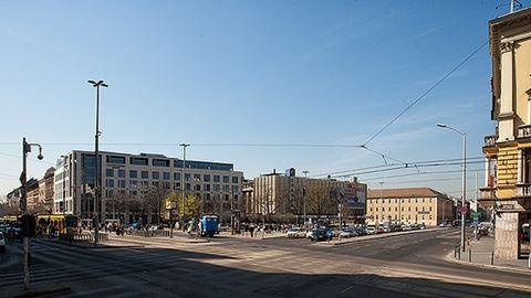 Két napig korlátozzák a közlekedést Budapest egyik legforgalmasabb terén