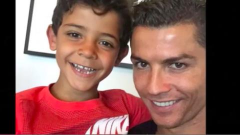 Cristiano Ronaldónak hamarosan ikrei születnek