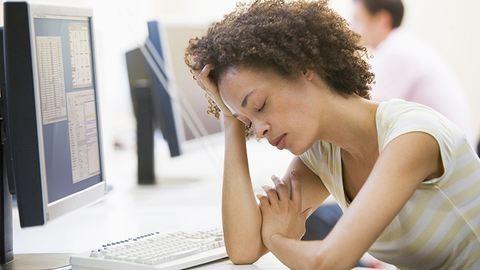 Telefonos ügyfélszolgálaton dolgozol? Mondj le az alvásról...