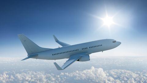 2 éves kisgyerek miatt Budapesten landolt a repülőgép