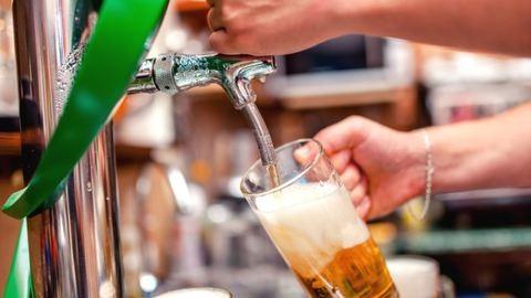 Olcsóbb lesz a csapolt sör
