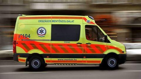 Zebrán gázolt a mentőautó, gyanúsított lett a sofőr