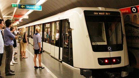Mostantól nem kell gombot nyomni a metrón
