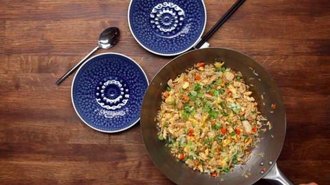 Így készíts eredeti, kínai csirkés pirított rizst otthon