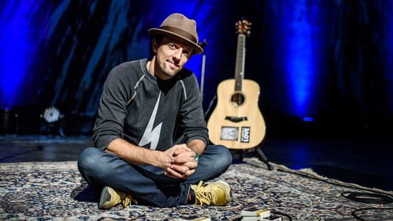 Jason Mraz: egy vegán farmer, gitárral