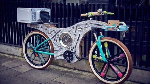 74 konyhai eszközből építettek biciklit
