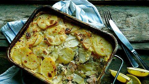Dobd fel a rakott krumplit! Készítsd lazaccal és zellerrel!