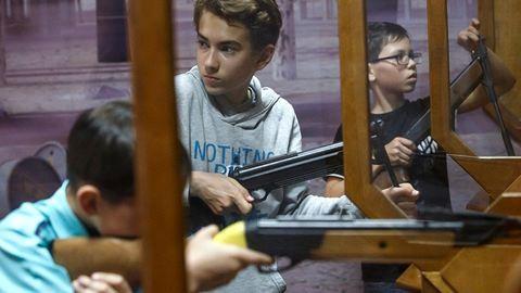 Tiltakoznak a pedagógusok a lövészet iskolai oktatása ellen