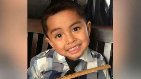Újra táncol a hétéves kisfiú, aki egy autóbaleset miatt bénult le