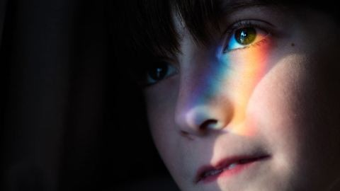 Csodálatos képeket készít autista fiáról a fotóművész anyuka