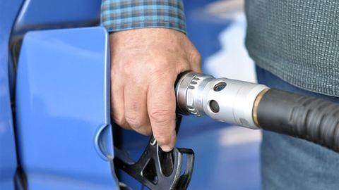 Komoly árzuhanás jön a benzinkutakon