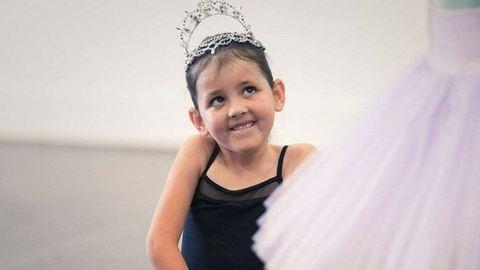 7. szülinapján teljesült az izomsorvadásos kislány álma: balerina lett