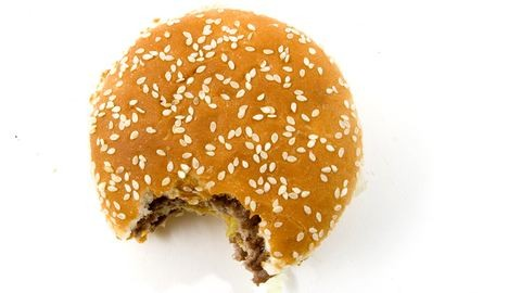 11 éves gyerektől rabolt hamburgert