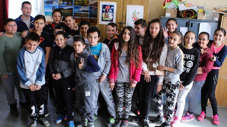 """""""Olyanok lettünk, mint egy nagy család"""" – Hajdúszováton otthonná tették az iskolát"""