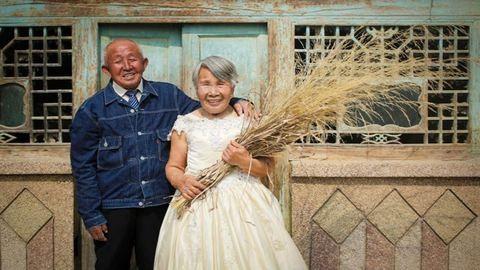 40 évvel később pótolta be az esküvői fotózást a pár