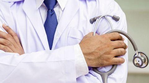 Dolgozhat a nőgyógyász, aki előre kérte a hálapénzt a rákos betegektől