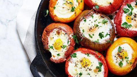 Paradicsomban sült tojások reggelire