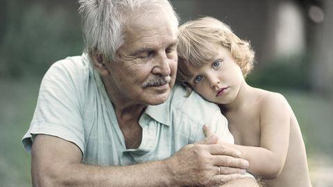 Szívszorító fotók: ennyire erős a kapocs nagyszülők és unokák között