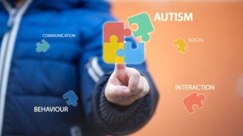 Pontosítást közölt az autista kisfiúk édesanyja