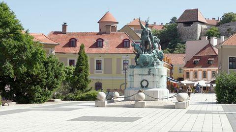 Egerbe utazik húsvétkor a magyar