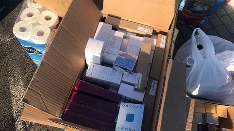 Tízmilliós parfümszállítmányt rejtett a vécépapír – fotók