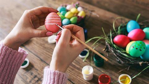 Így fess húsvéti tojásokat – mutatunk néhány apró trükköt