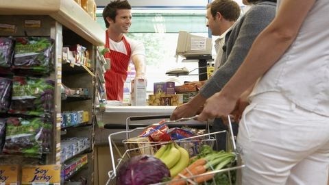 Változik az üzletek nyitva tartása a pünkösdi hosszú hétvégén