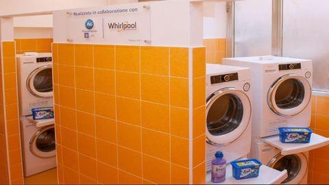 Ingyenes mosoda nyílt a hajléktalanoknak Rómában