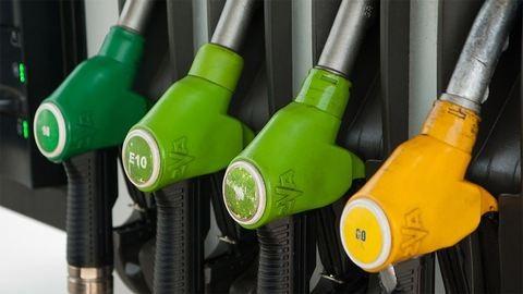 Húsvéti meglepi: változik a benzinár