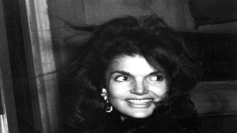 Jackie Kennedy a kilencvenes években ráhajtott Alec Baldwinra