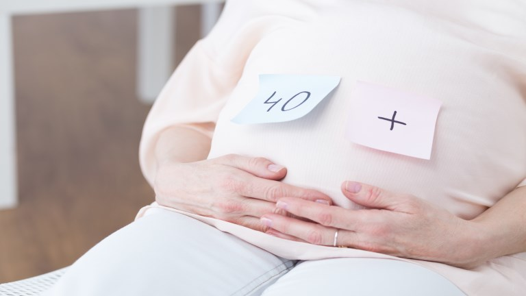 Terhesség negyvenen túl – Áldás vagy teher?