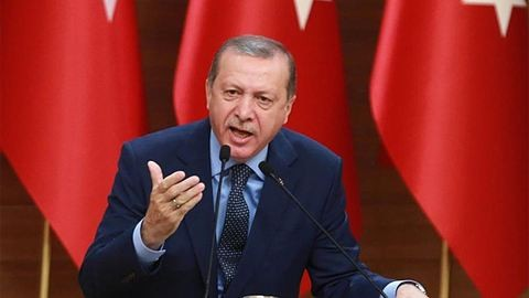 Győztek az igenek Törökországban, teljhatalma lett Erdoğannak