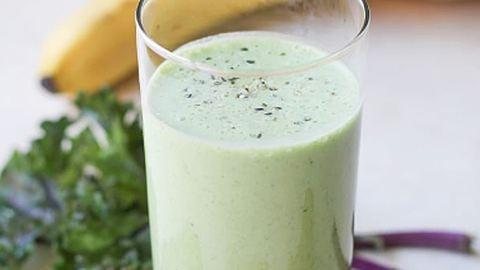 Ezt a smoothie-t készítsd el, és megszűnnek a gyomorpanaszaid!