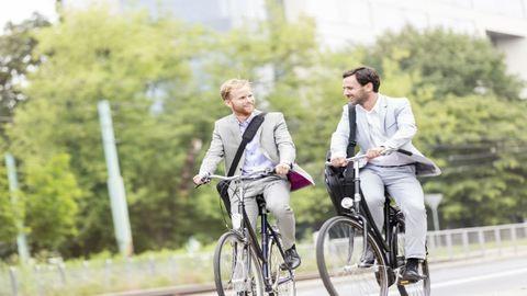 Nem is gondolnánk mennyire egészséges, ha bringával tekerünk a munkába