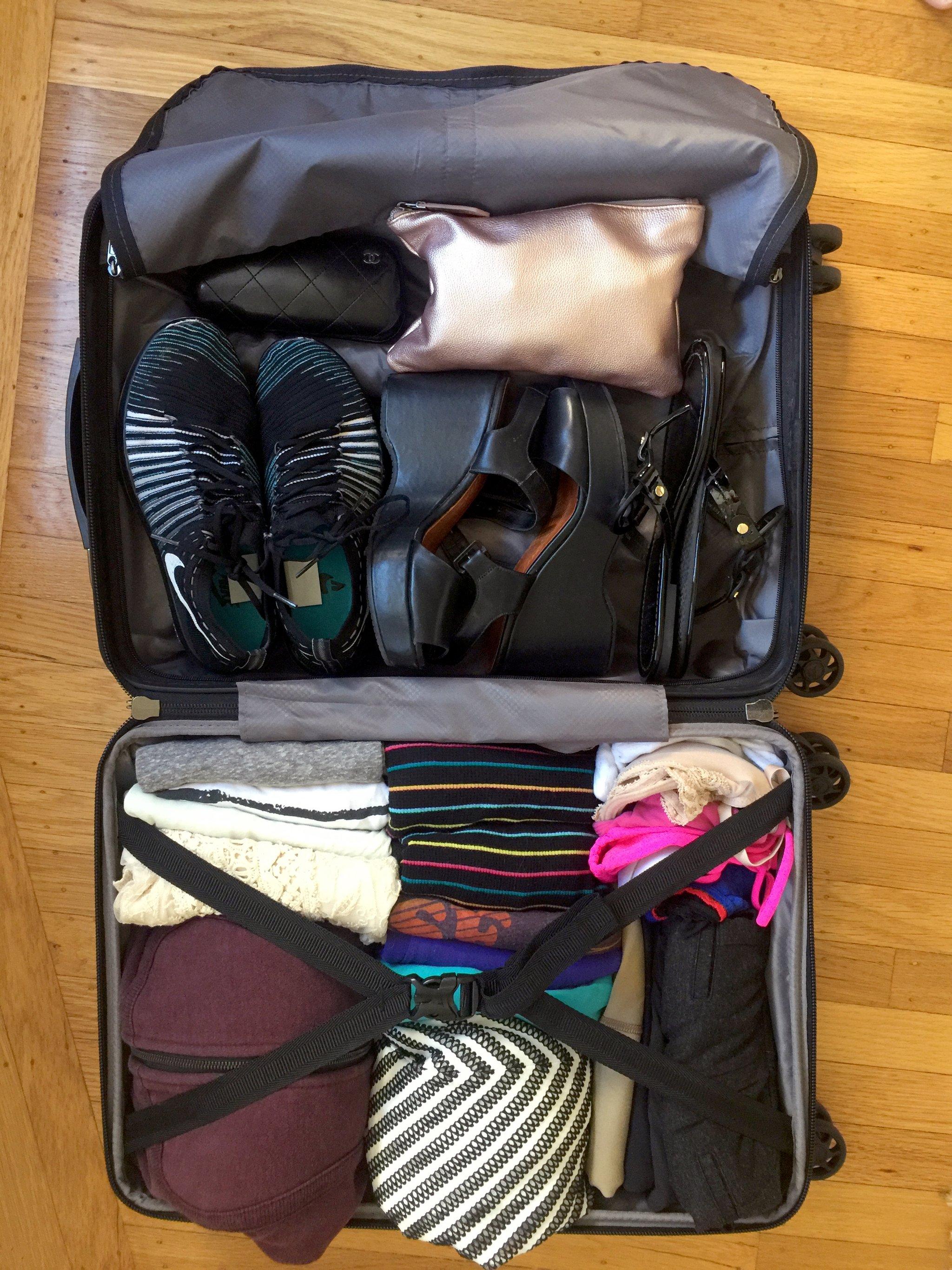 Így pakold be a bőröndöd praktikusan a Kondo-módszerrel
