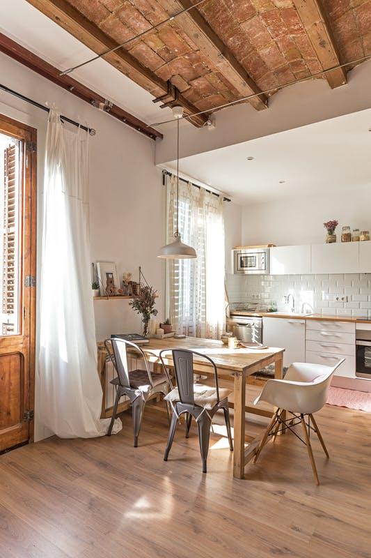 Ebbe a napfényes barcelonai otthonba te is azonnal beleszeretsz