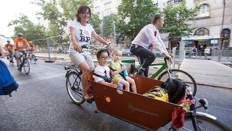 Lezárják fél Budapestet egy biciklis felvonulás miatt