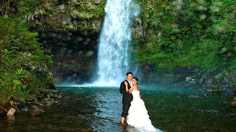 Extrém esküvők elképesztő tájakon – Így házasodj krokodilok között!