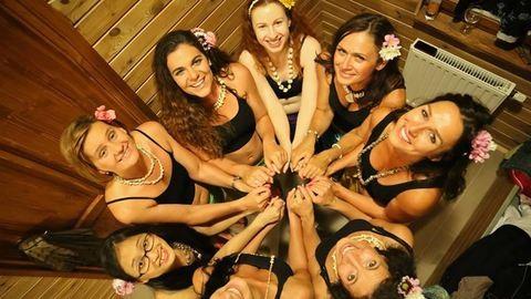 """""""Az őrülteket szerintem nagyon szereti az Isten"""" – Az egyetlen magyar tahiti táncosnő"""