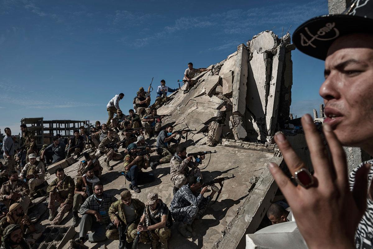 Napjaink problémái és a hír kategória győztese - Alessio Romenzi/Sony World Photography Awards